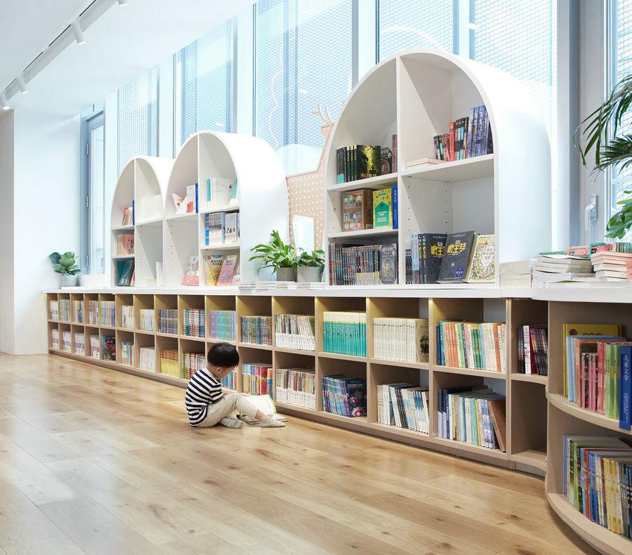 唐宁书店 | 在绿荫下阅读