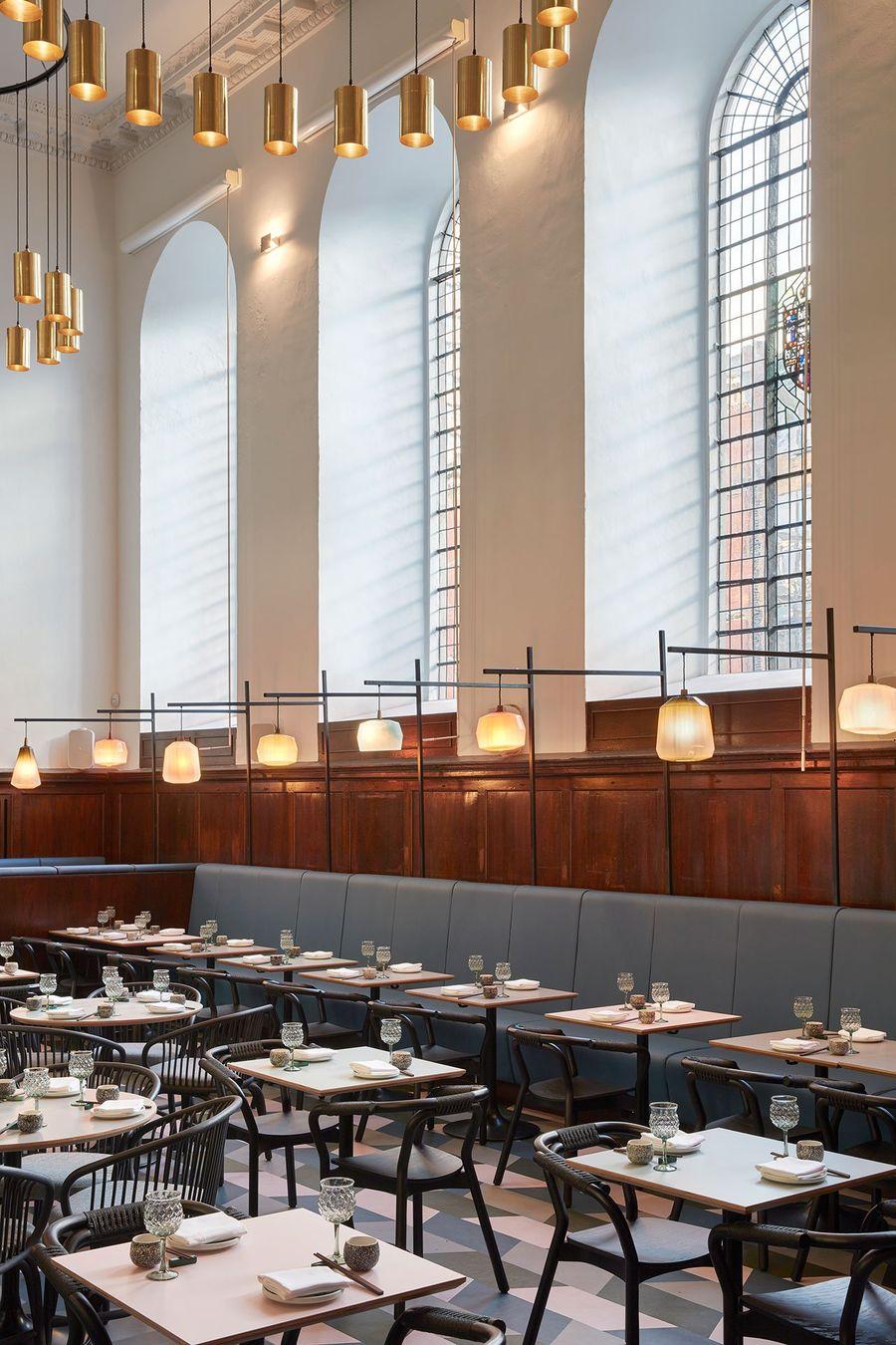 圣托马斯教堂里的茶餐厅 | Michaelis Boyd