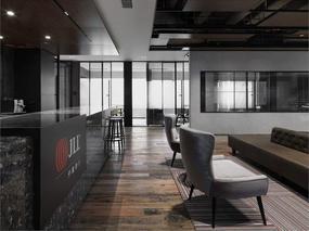 没有前台的上海JLL仲量联行办公室设计