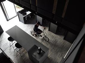 台北「墨色显影」- 无限创意的酷黑工作室设计