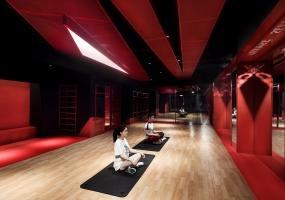 红与黑 ·  HOTPOT GYM火锅健身房