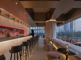 红与烈酒 · Wann lounge艺术空间酒吧